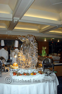 Gala Buffet Swan Ice Carving